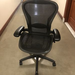 Herman Miller Aeron Office Chair for Sale in Los Angeles, CA