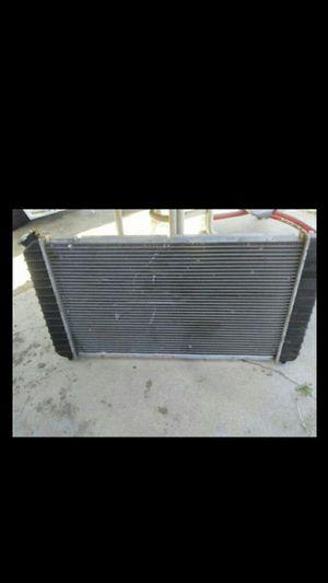 Radiador para 2001 Chevy blazer for Sale in Hemet, CA