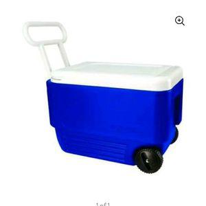 Igloo 38q Wheelie Cooler New for Sale in Bakersfield, CA