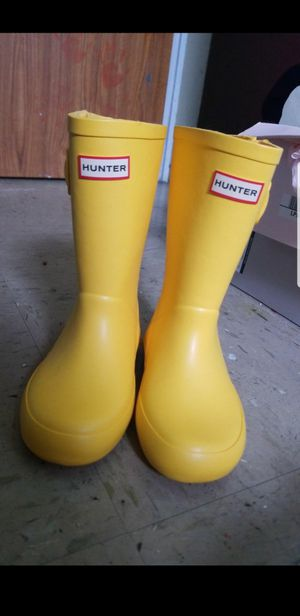 Hunter rain boots 11c for Sale in New York, NY
