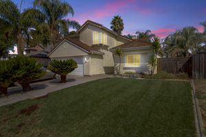 Tracy home for sale 5/6 bedroom 3 bathroom for Sale in Tracy, CA