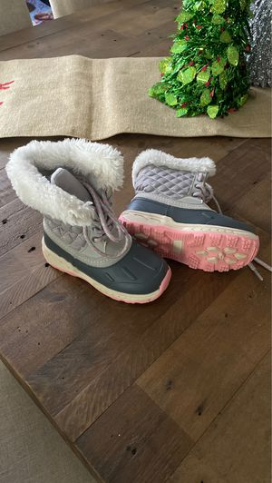 Carters girls lace up snow boots size 10 for Sale in Oceanside, CA