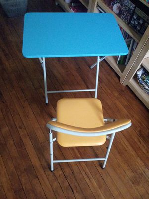 Kids chair and table for Sale in Raleigh, NC