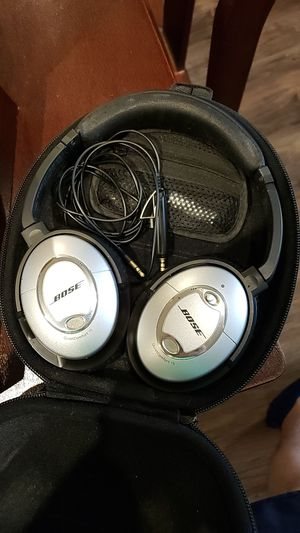 Bose noise canceling headphones for Sale in Houston, TX