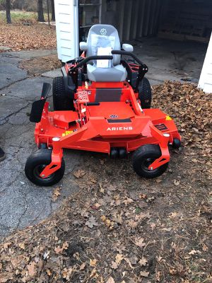 Ariens Apex 24-HP V-twin Dual Hydrostatic 60-in Zero-turn lawn mower for Sale in Framingham, MA