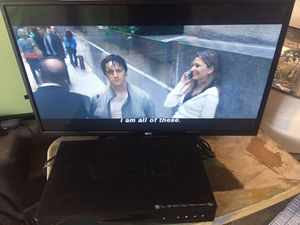 KC KC32V1 Widescreen 32' LED HDTV, 720p HD resolution, Max Resolution for Sale in Norwalk, CA
