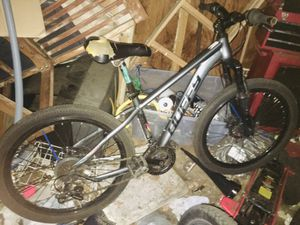 24 inch mountain bike for Sale in Meriden, CT