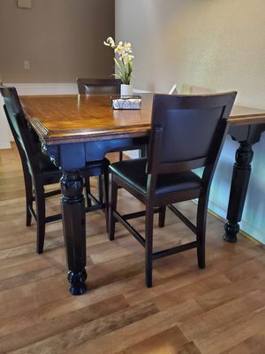 Dining table for Sale in Live Oak, CA