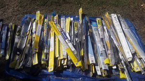 Windshield wipers size 28 26 2422 21 2018-19 1614 $10 a pair for Sale in Fontana, CA