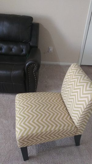 Moving sale. Great Deals. Beautiful and bright one accent chair. for Sale in Dallas, TX