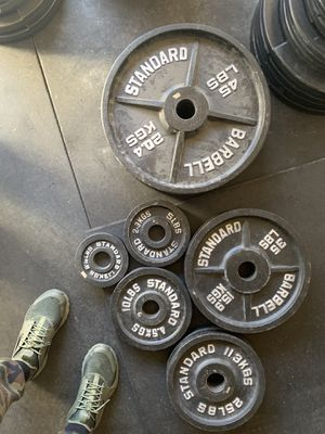 335lb Olympic weight set-standard barbell for Sale in Parker, CO