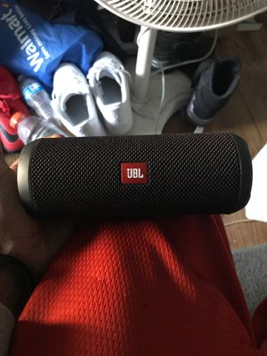 JBL flip 4 for Sale in Darnestown, MD