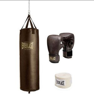 Brown Leather Everlast Punching Bag (100lb) for Sale in Fort Lauderdale, FL