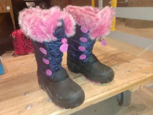 Size 5 Girls Snow Boots for Sale in Olympia, WA