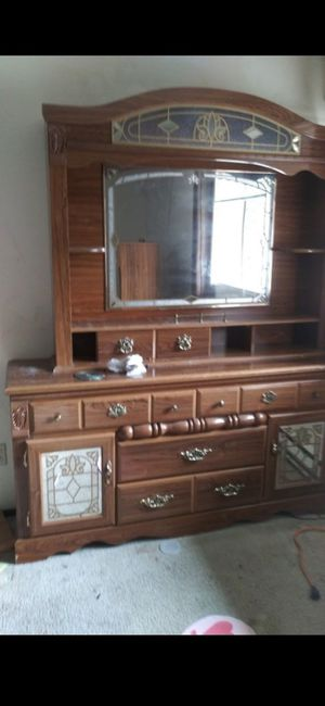 Beautiful vinyl queen bedroom set in great condition for Sale in Forest Grove, OR