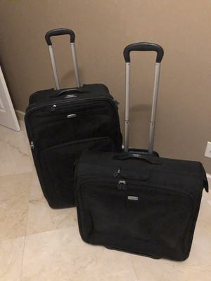 RICARDO luggage set garment roller and full size suitcase roller for Sale in Miramar, FL