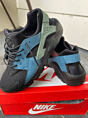 Custom Nike Huaraches for Sale in Vernon, CA