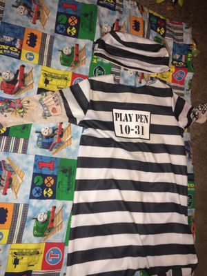 12-18 months ADORABLE UNIQUE BABY JAILBIRD BLACK AND WHITE STRIPED COSTUME WITH Matching hat (says play pen 10-31) with sleeves designed to look like for Sale in La Vergne, TN