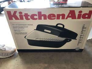 kitchen aid covered roaster with rack for Sale in Milpitas, CA