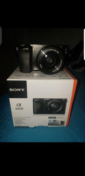 Camera Sony a6000 for Sale in Los Angeles, CA