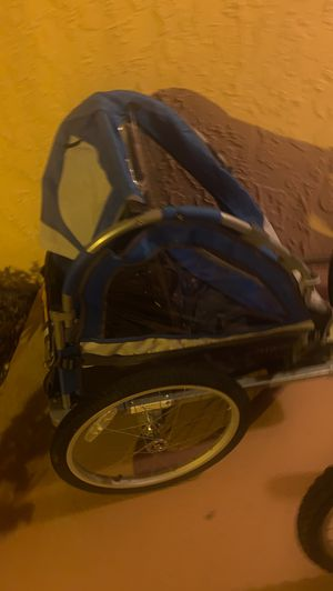 Sports Deluxe 2-Child Bike Trailer blue for Sale in Fort Lauderdale, FL