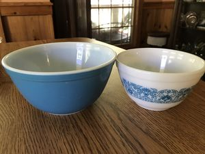 Vintage Pyrex bowls for Sale in Camden, NC