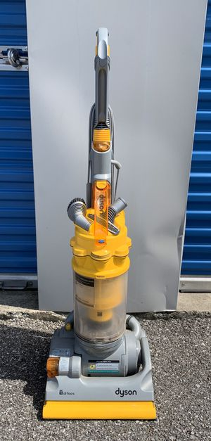 Dyson Vacuum Cleaner for Sale in Simpsonville, KY