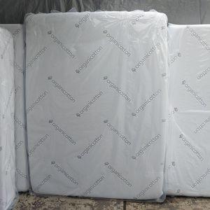 "12"" New Queen Size Memory Foam Mattress || Colchon Queen de Esponja Memory Nuevo for Sale in Whittier, CA"