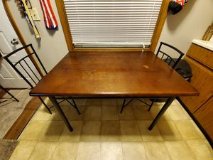 Dining room table for Sale in Kendallville, IN
