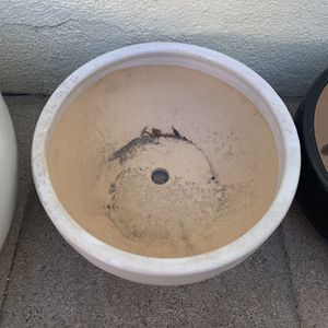 """Planter Pot 9"""" Wide -5"""" Height White or Black for Sale in Garden Grove, CA"""