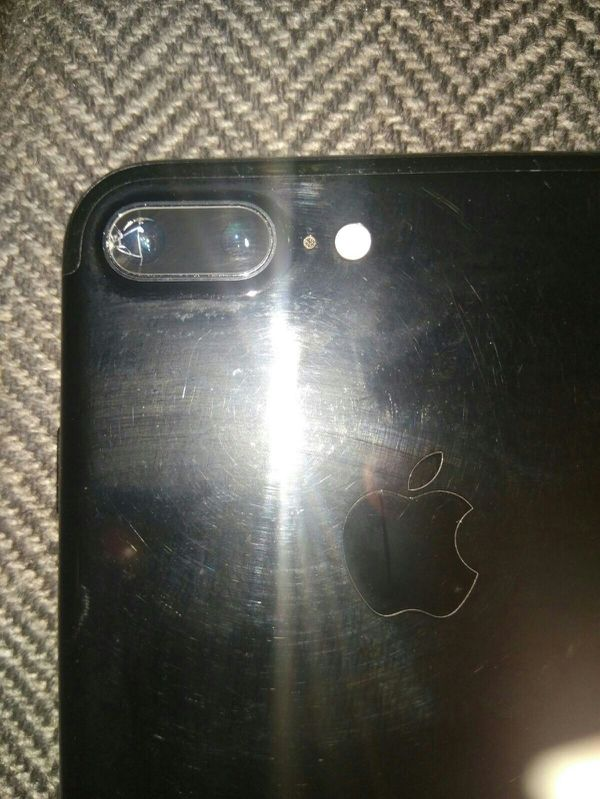 the best attitude c291a c422e AT&T JET BLACK IPHONE 7 PLUS 128GB. BACK CAMERA GLASS HAS SMALL CRACK SEE  ALL PICS for Sale in Philadelphia, PA - OfferUp