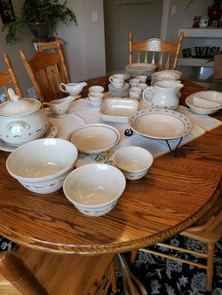 Longaberger pottery classic blue for Sale in Snohomish,  WA
