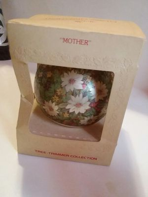 """COLLECTIBLE HALLMARK """"MOTHER"""" GLASS ORNAMENT for Sale in Wilmington, DE"""
