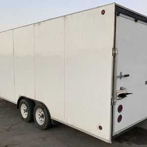 enclosed trailer 20ft for Sale in Riverside, CA