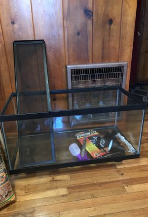 55 gallon tank and reptile accessories for Sale in Bend, OR