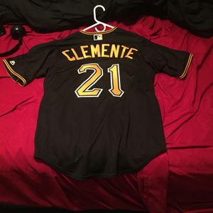 Baseball, Pirates ,Clemente Jersey for Sale in Arlington, TX