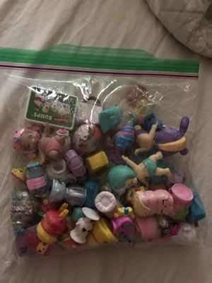 46 shopkins and 3 little baby dolls for Sale in Vallejo, CA