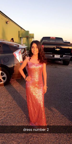 PROM DRESSES for Sale in Fabens, TX