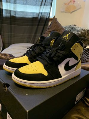 Air Jordan 1 Mid SE 'Yellow Toe' Mens Sneakers - Size 10.5 for Sale in Tacoma, WA