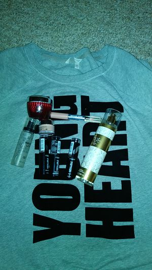 Large bundle- perfume/makeup/Victorias Secret for Sale in St. Louis, MO