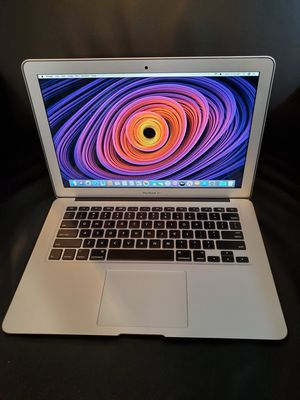 """2013 Apple Macbook Air Laptop Computer i5 13"""" 1.3GHZ121 GB Flash storage 4GB Memory Bluetooth wireless Webcam & Charger for Sale in Minneapolis, MN"""
