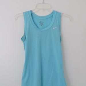 Activewear Workout Clothes 6 Shirts 1 Sports Bra for Sale in Miami, FL