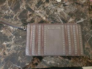 Michael Kors wristlet for Sale in Buckeye, AZ