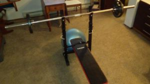 Weight bench and bar set 300lbs total for Sale in Seattle, WA