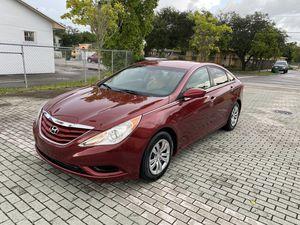 Hyundai Sonata 2011 título limpio en mano for Sale in Hialeah, FL