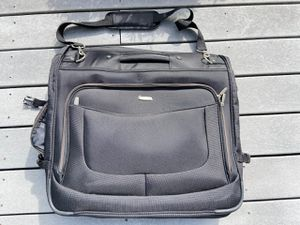 Clothes Travel Bag for Sale in Gig Harbor, WA