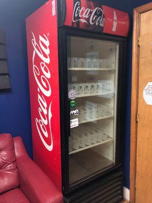 Vendo imbera G319 commercial refrigerator single glass door display merchandiser for Sale in Alexandria, VA