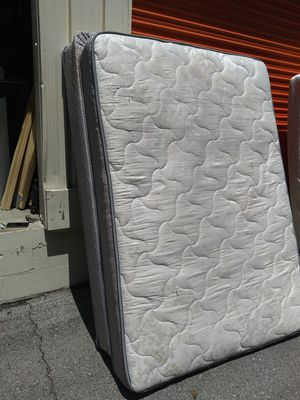 Full sz mattress and box spring for Sale in Nashville, TN