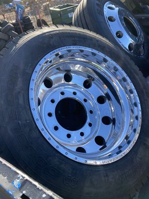 22.5 American force Alcoa style dually wheels Ford F-350 for Sale in San Diego, CA