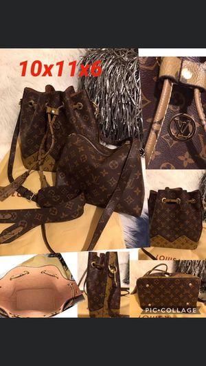 Designer two tone drawstring handbag for Sale in Duncanville, TX